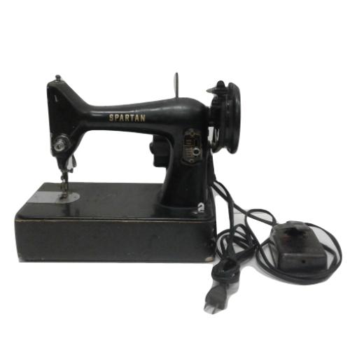 Vintage Singer Spartan 192K Sewing Machine